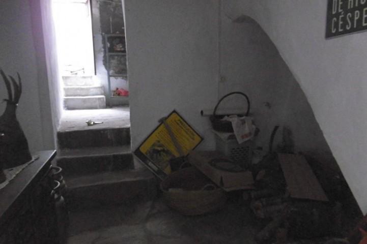 Room off hallway