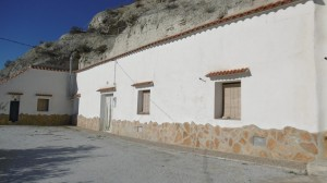 Cave House, 4 Bedrooms, LLLC10
