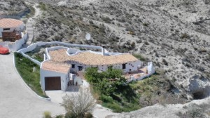 Cave House, 3 Bedrooms, SAL017