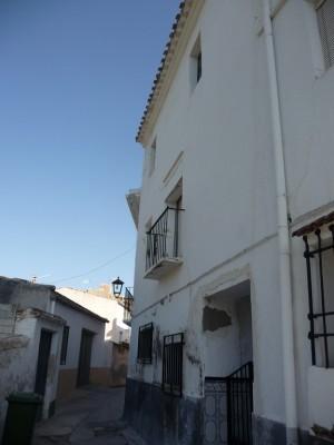Village Property, 6 Bedrooms, JLZ43