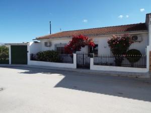 Village Property, 3 Bedrooms, SAL023