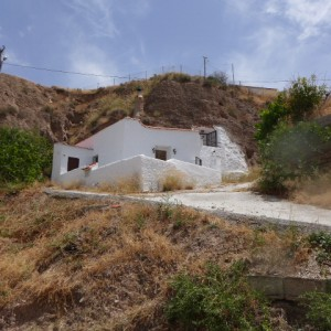 Cave House, 2 Bedrooms, SRN386