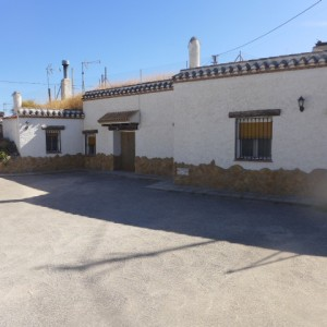 Cave House, 6 Bedrooms, SAL047