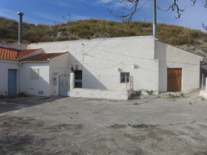 Cave House, 8 Bedrooms, SAL077