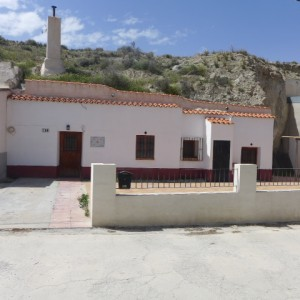 Cave House, 3 Bedrooms, SAL087