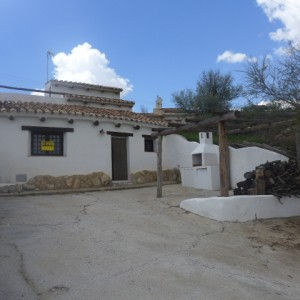 Cave House, 3 Bedrooms, PDG053