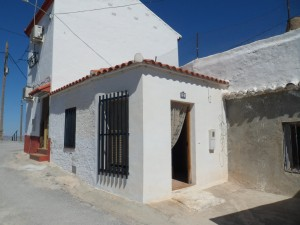 Cave House, 3 Bedrooms, JLFR101