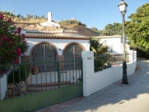 Cave House, 3 Bedrooms, SAL096