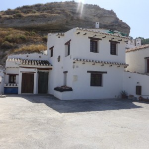 Cave House, 4 Bedrooms, SAL098