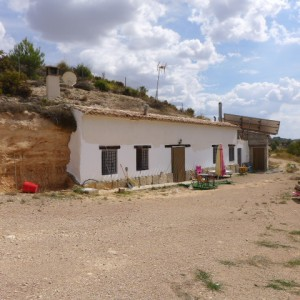 Cave House, 4 Bedrooms, SAL101