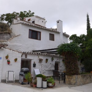 Cave House, 3 Bedrooms, SAL103