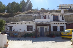 Cave House, 3 Bedrooms, PDG071