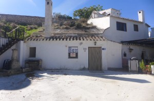 Cave House, 2 Bedrooms, SAL110