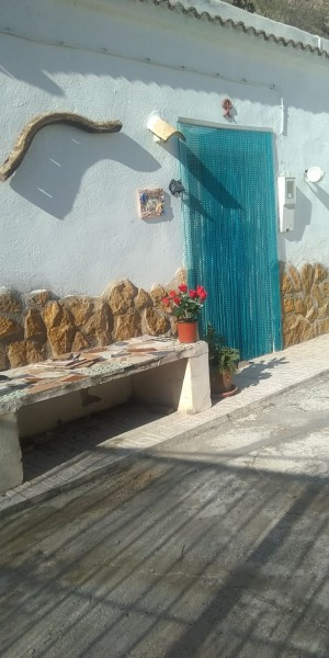 Cave House, 3 Bedrooms, SAL113