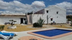 Rural Property, 4 Bedrooms, SAL123