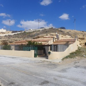 Cave House, 3 Bedrooms, SAL140
