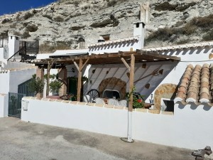 Cave House, 2 Bedrooms, PDG094