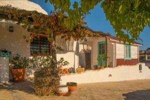 Cave House, 3 Bedrooms, SAL206