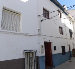 Town House, 6 Bedrooms, SAL252