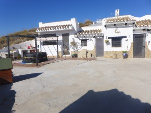 Cave House, 3 Bedrooms, SAL253