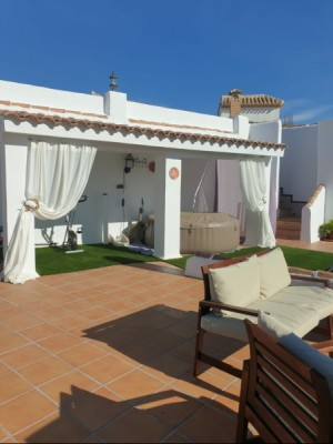 Cave House, 4 Bedrooms, SAL260