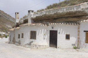 Cave House, 2 Bedrooms, SAL289