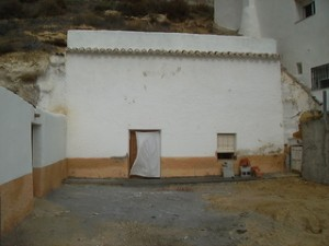 Cave House, 3 Bedrooms, MATLTJ1