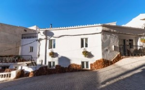 Cave House, 6 Bedrooms, MATFR013