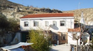 Cave House, 5 Bedrooms, MATB043a