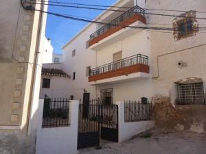Village Property, 6 Bedrooms, MATJLFR15