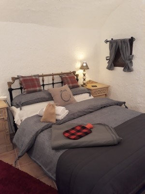 Cave House, 2 Bedrooms, SIP048s