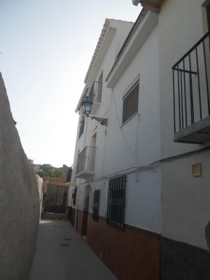 Town House, 5 Bedrooms, JLBZJM012