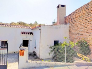 Cave House, 4 Bedrooms, MATBN10