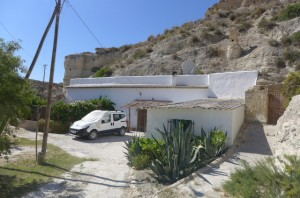 Cave House, 4 Bedrooms, SAL287