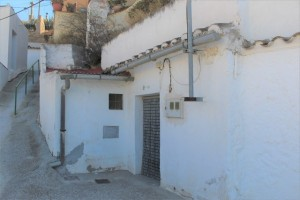 Cave House, 2 Bedrooms, FCLL01