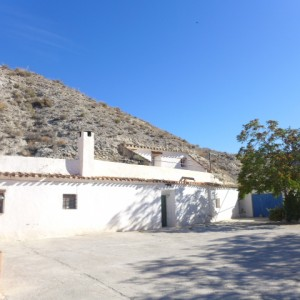 Cave House, 4 Bedrooms, PDG112
